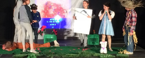 Grade 4 students at The Toronto Heschel School (a Jewish day school in Toronto) perform their novel study play, The Wizard of Oz.